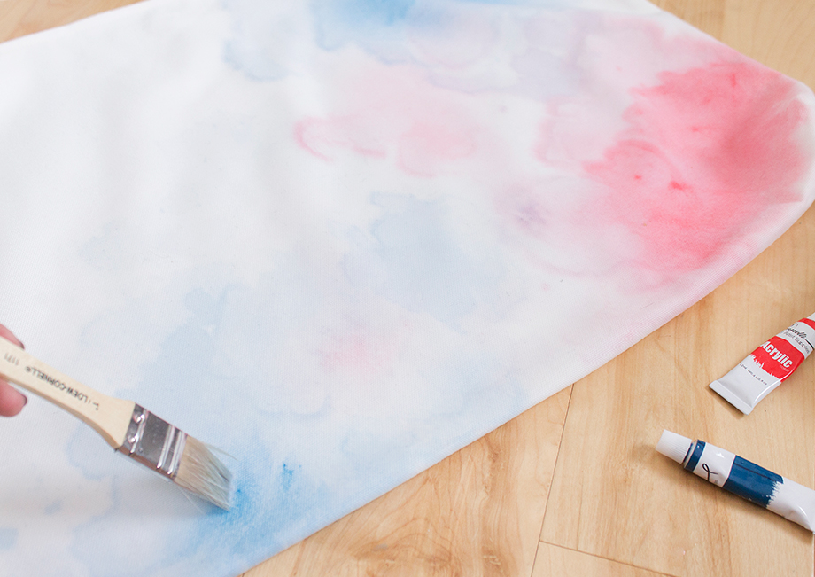 This is a 4th of July Watercolor Pillow DIY by Glitter and Bubbles.