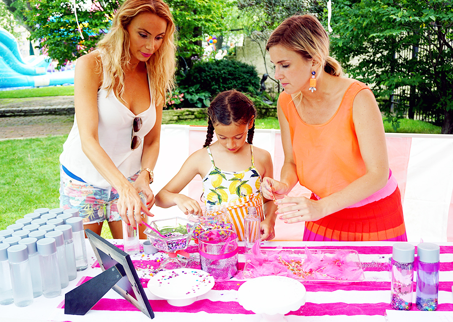 This post features Zelda's Lisa Frank birthday party on Glitter and Bubbles