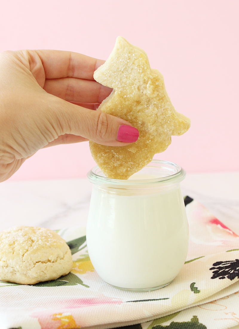 This is a recipe for Butter Cookies by Ola Omami for Glitter and Bubbles.