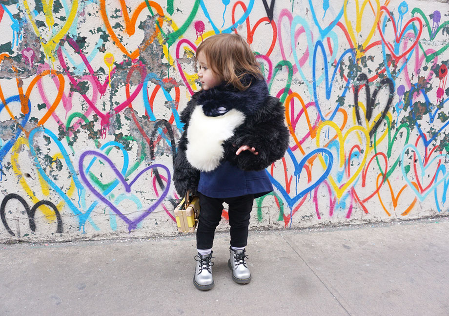 This is a Rad Mom post by Glitter and Bubbles featuring Ola Omami of Omami Mini.