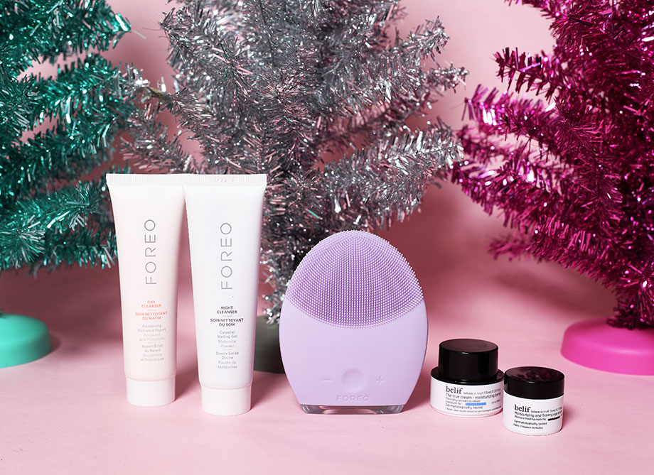 A FOREO brightening system on a gift guide.