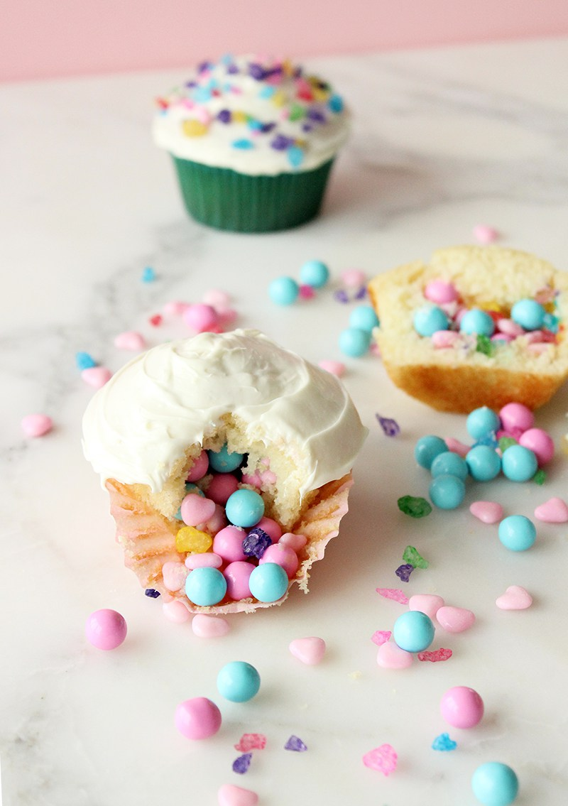 A dessert recipe for Piñata Cupcakes.