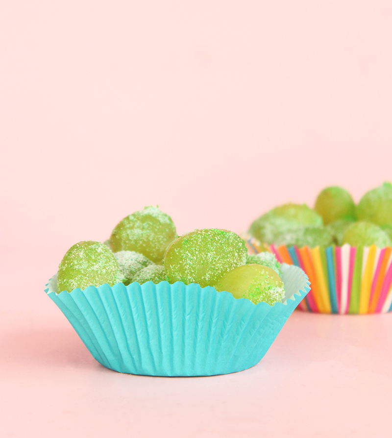 An easy recipe for sour patch kids grapes.