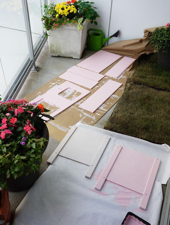 A pink IKEA kids kitchen hack.