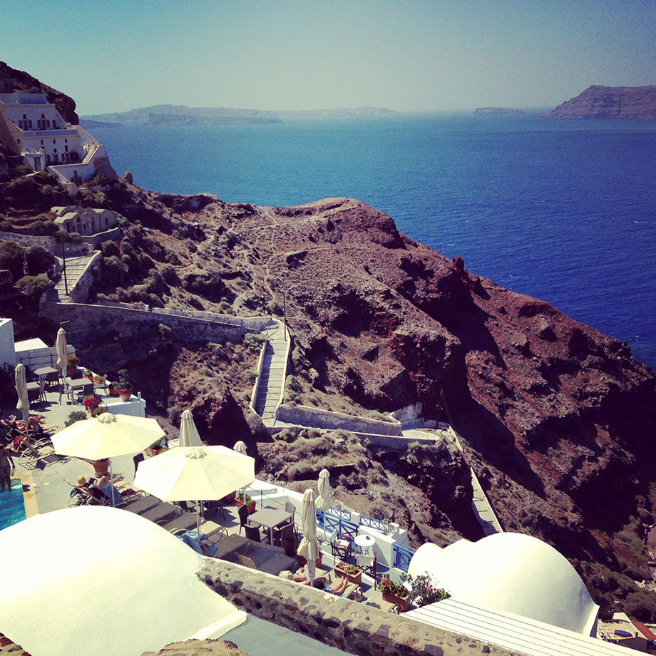 A beautiful photograph of Santorini, Greece.