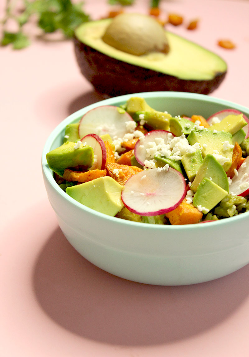 An easy kid-friendly lunch recipe for green rice bowls by Glitter and Bubbles.