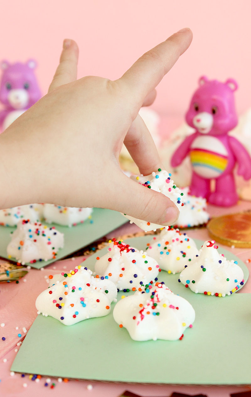 These delicious rainbow meringues by Corri McFadden of Glitter and Bubbles are topped with rainbow sprinkles.