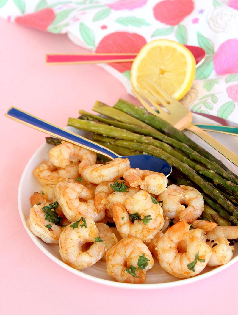 A delicious recipe for garlic shrimp and roasted asparagus.