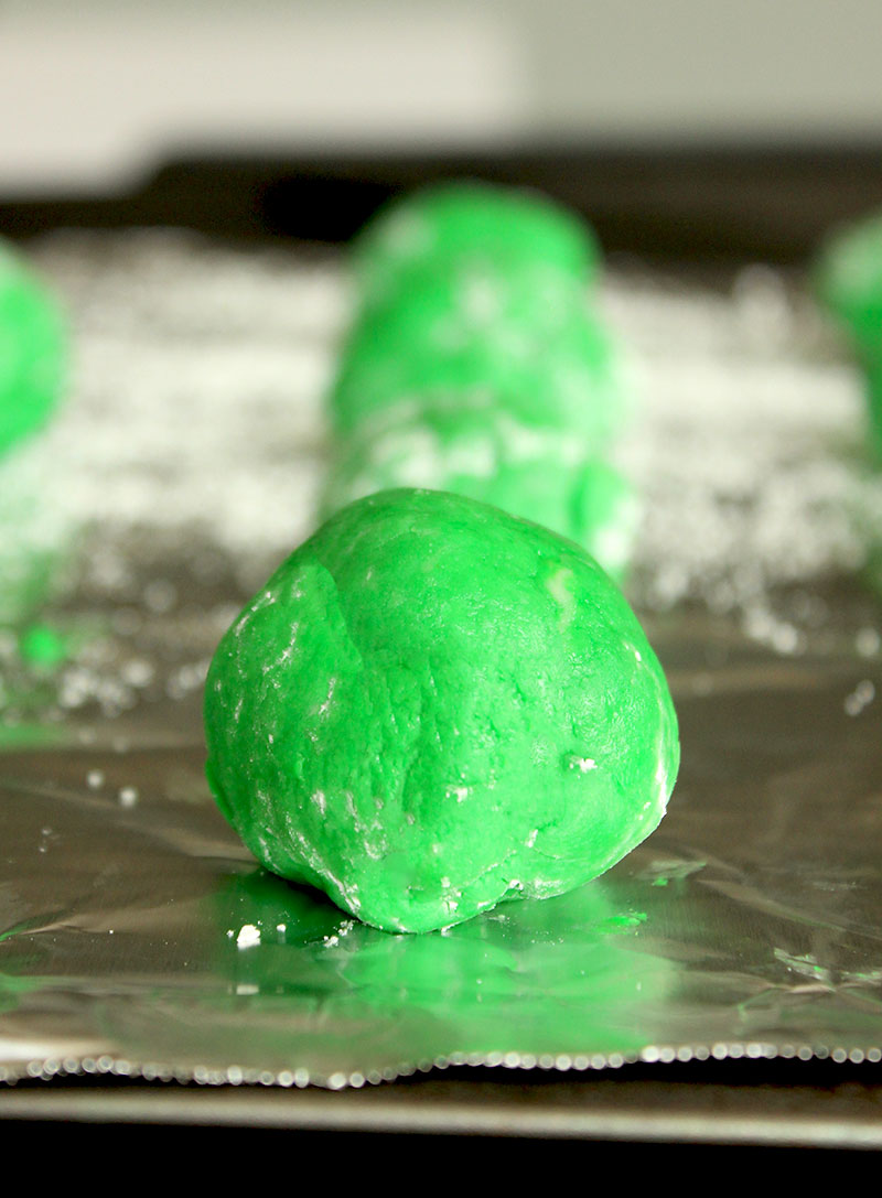 How to make green cake cookies for Halloween.