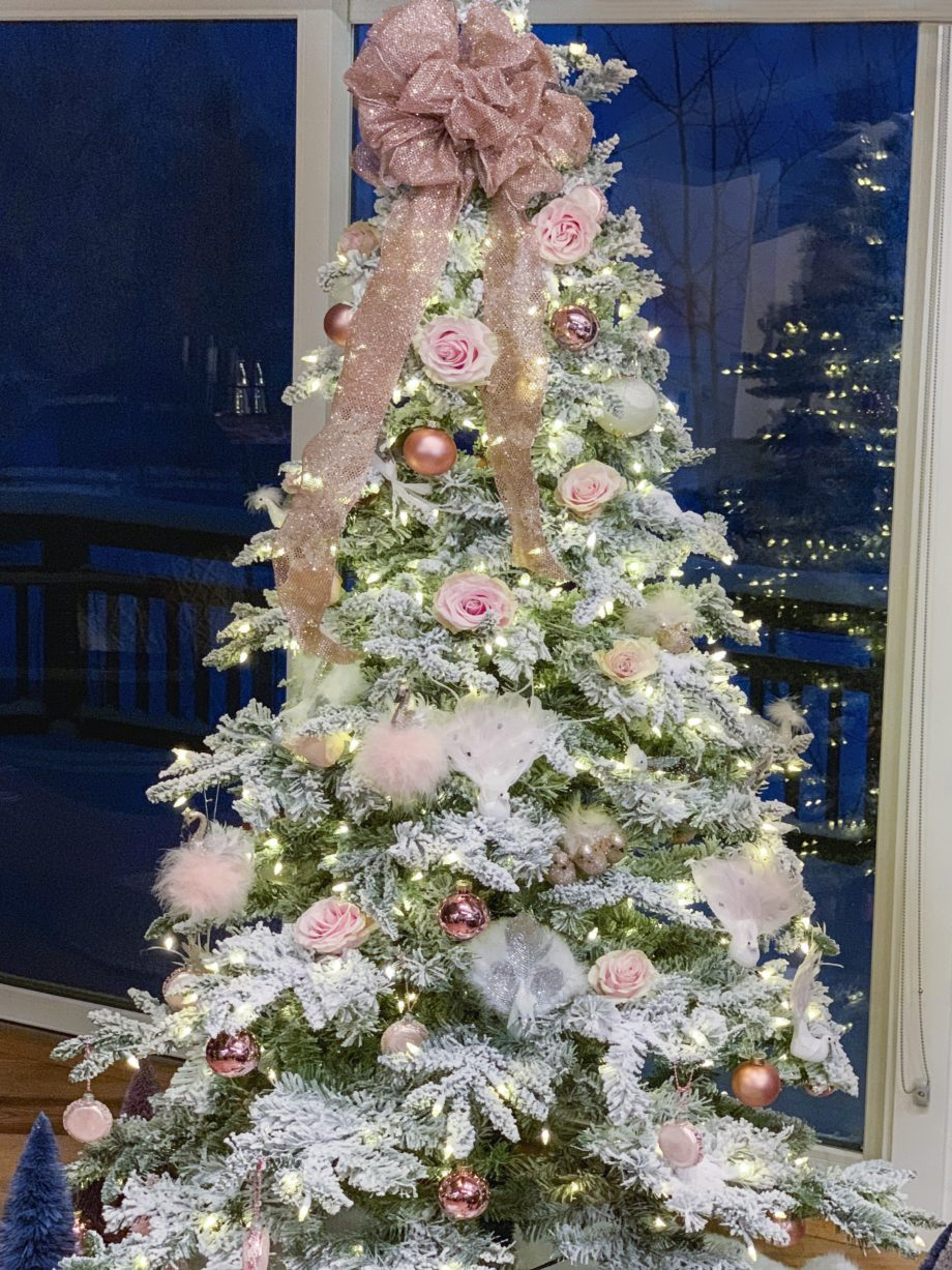 How to create the perfect Christmas tree with decorations from eBay.