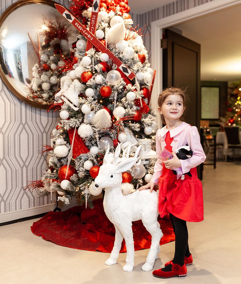 Zelda entered the Swissotel Santa Suite.