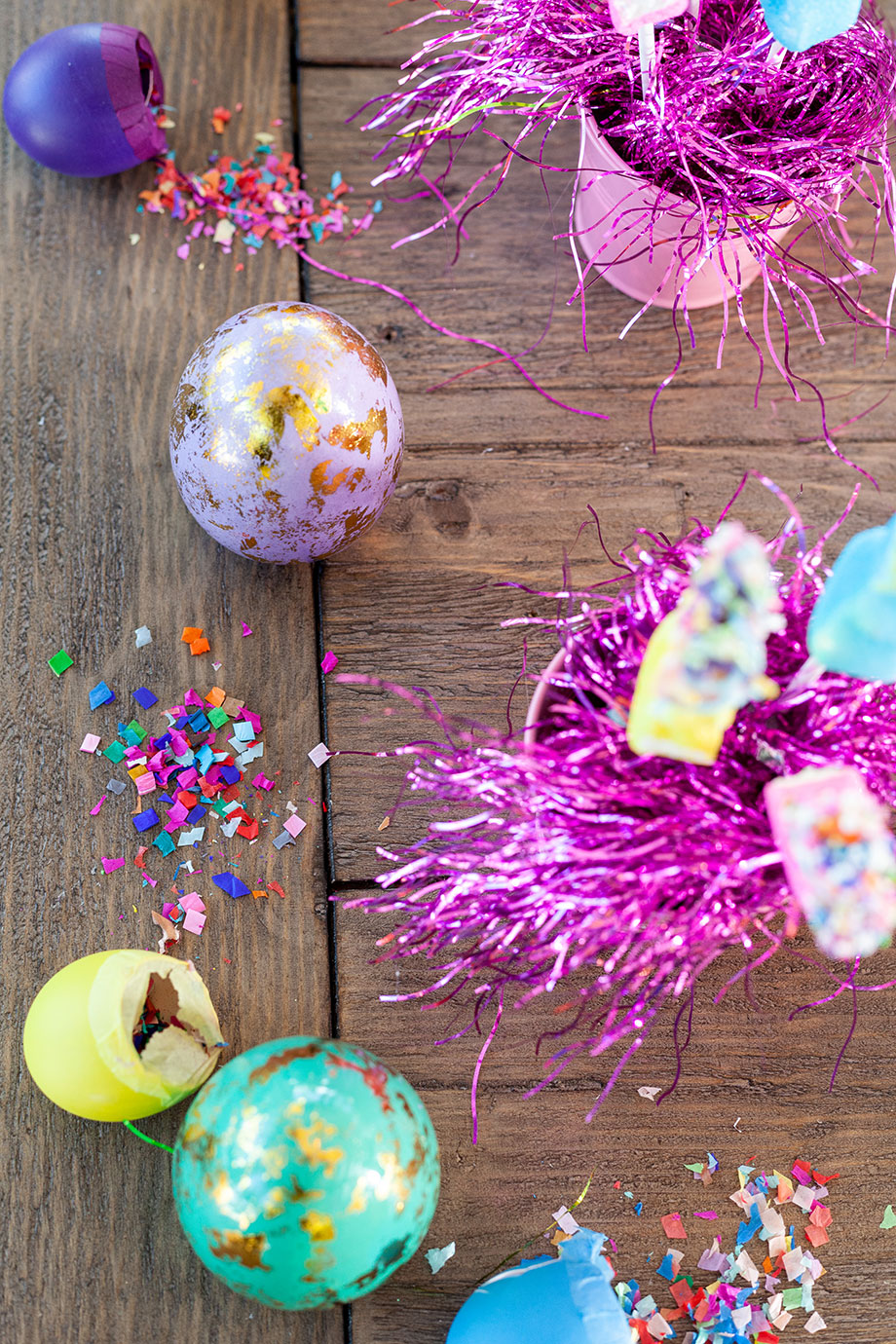How to set your table this Easter with Glitter and Bubbles.