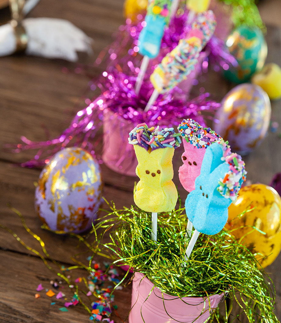 How to make an Easter Peep Pop centerpiece.