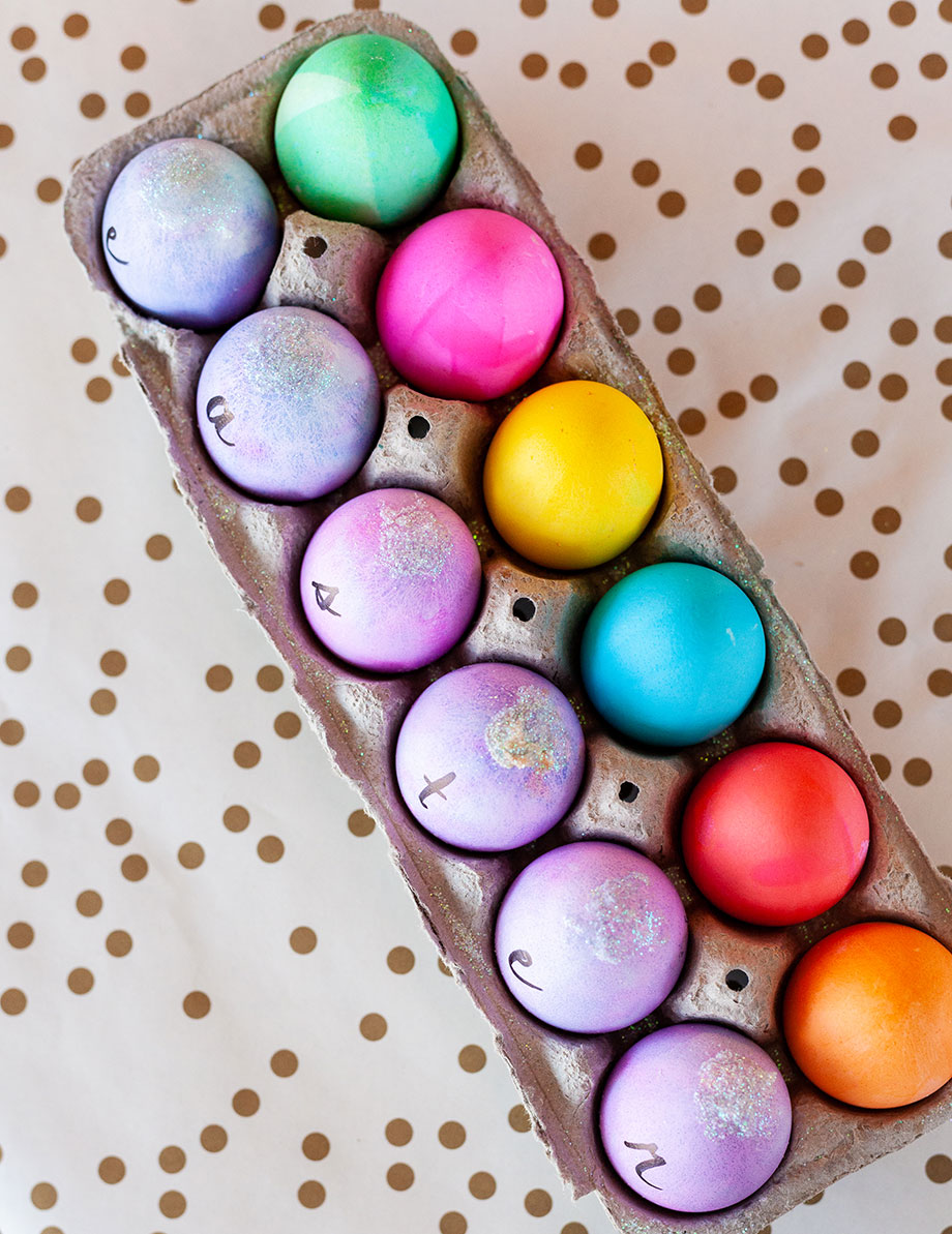 How to color eggs with Glitter and Bubbles.