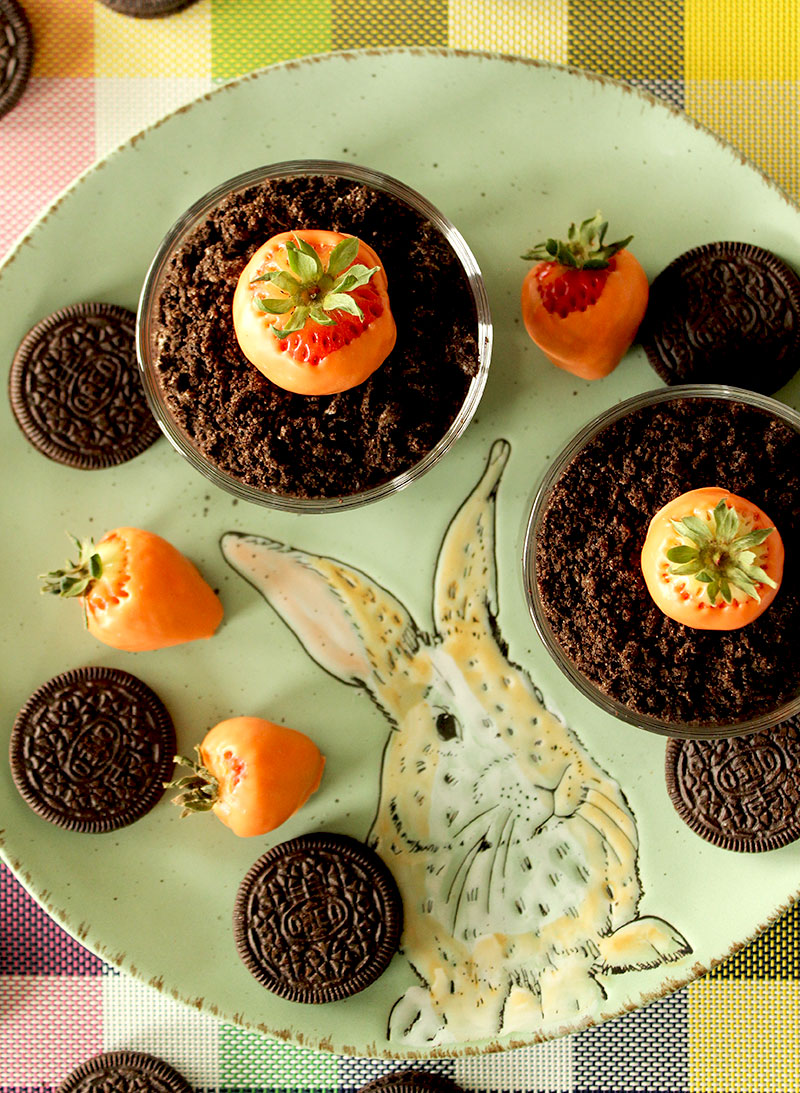 How to make Easter Carrot Dirt Cups with Oreos.