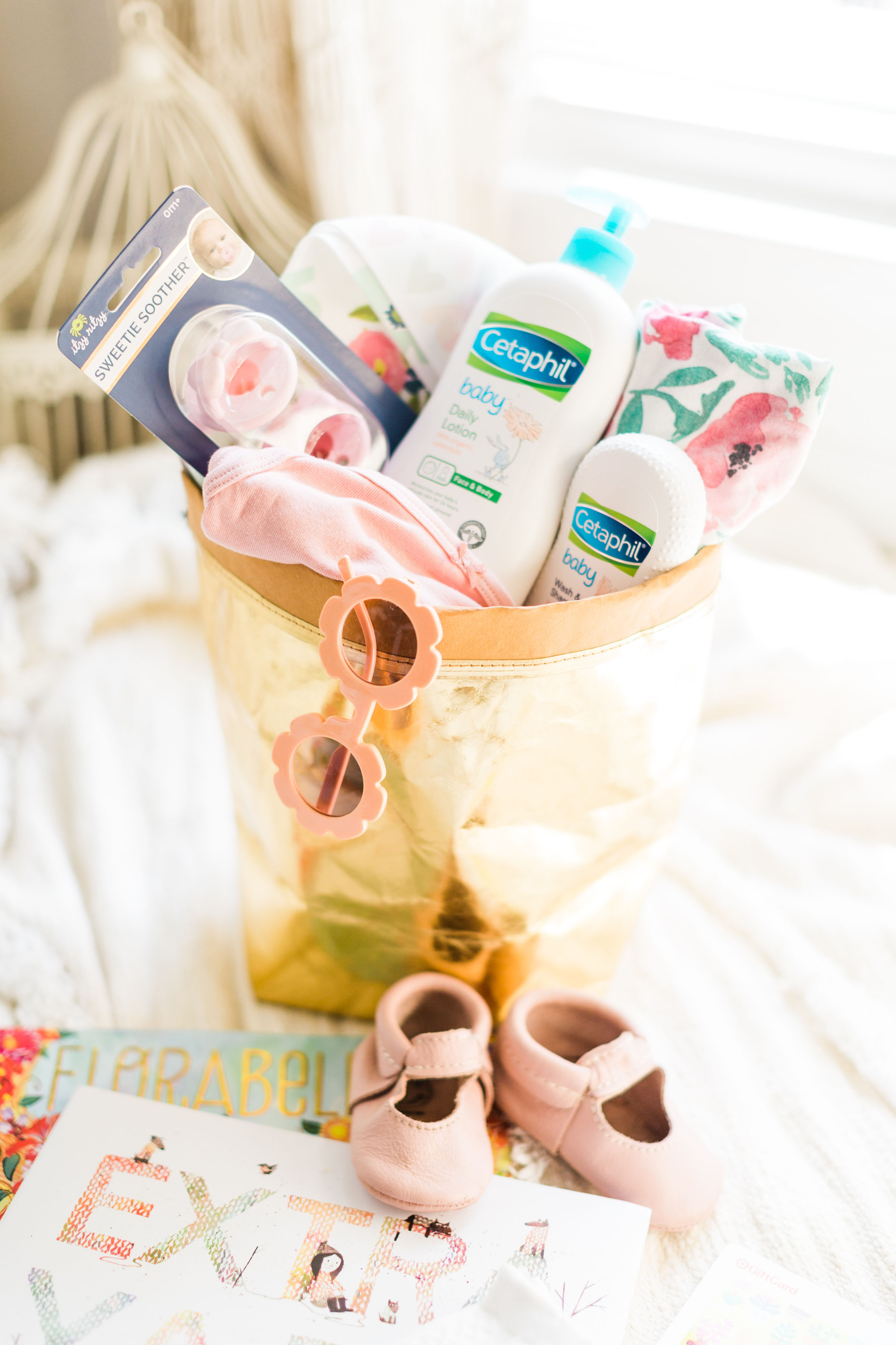 What To Put In A Baby Shower Gift Basket : shower, basket, Together, Cutest, Shower, Basket, Glitter,