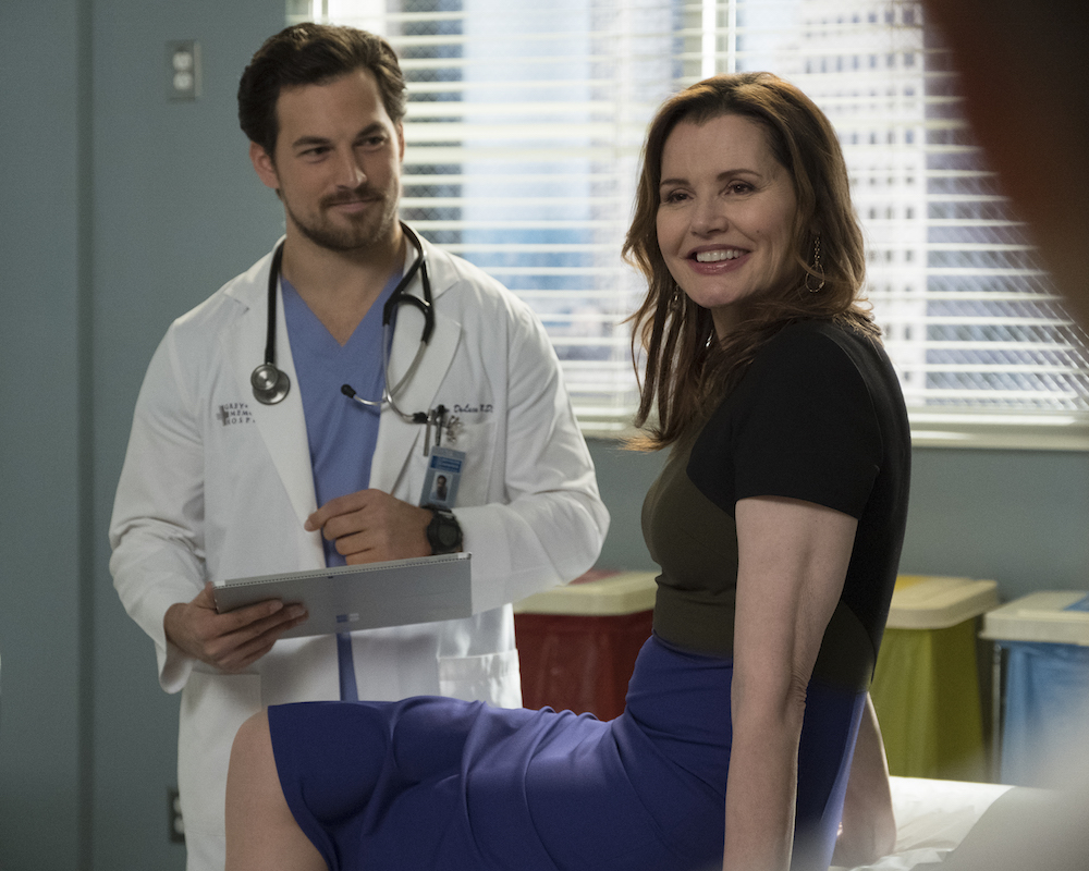 Abc Debuts New Trailer For 15th Season Of Greys Anatomy Glitter
