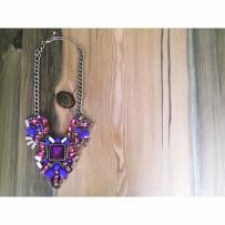 Glamour Jewel tone statement necklace $25