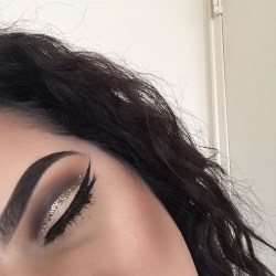 Anastasia Beverly Hills @marximakeup Using #Dipbrow in Ebony #anastasiabeverlyhills