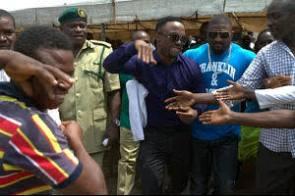 iyanya visits ikoyi prisons on birthday 8