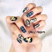 floral glitzy fingers