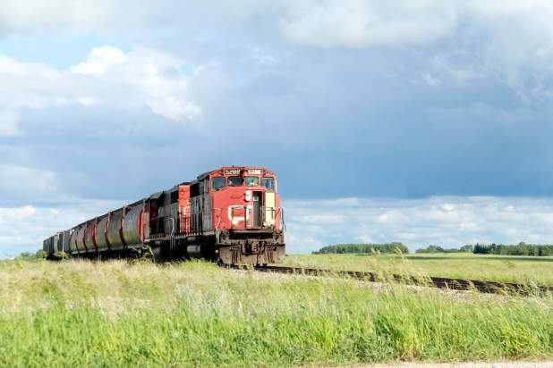 train-1391314_1280