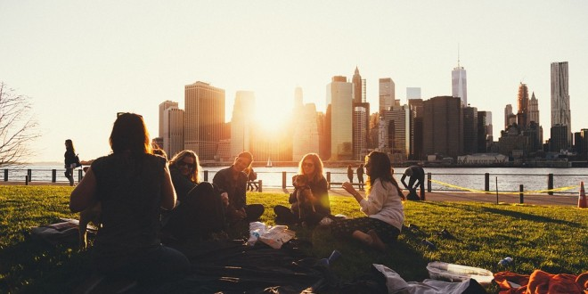14 Ways to Meet New People When You Move to A Different City