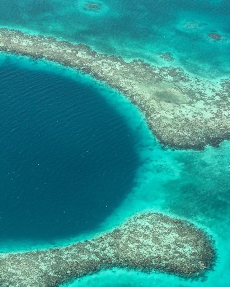 the best way to see the great blue hole