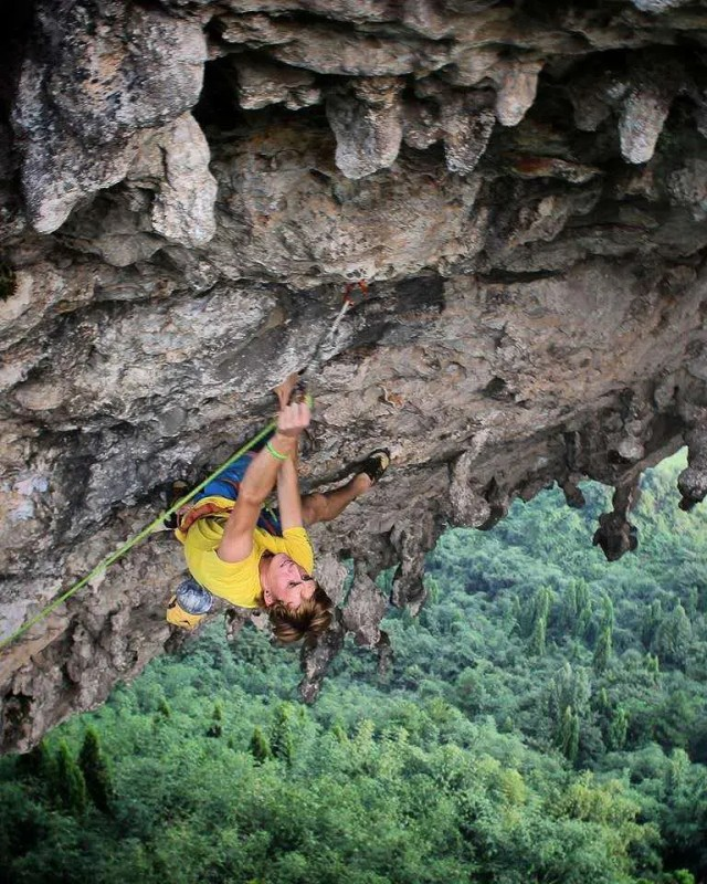 rock climbing in yangshuo