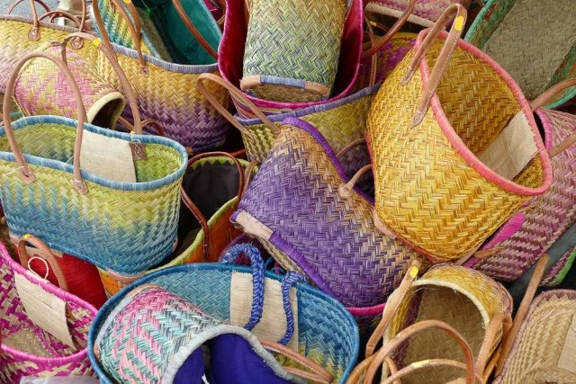 reusable shopping bags for responsible tourism