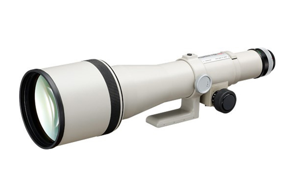 The FD800mm f/5.6 S.S.C. (released in June 1976) Canon's first interchangeable lens to adopt the white coating