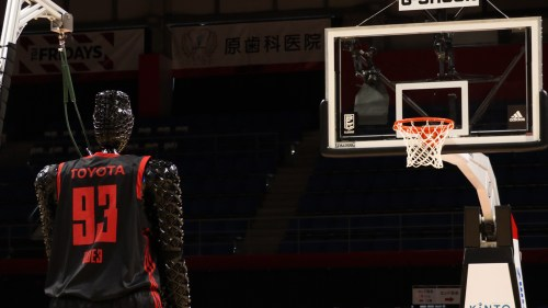 small resolution of the development diary of cue the ai basketball robot corporate global newsroom toyota motor corporation official global website