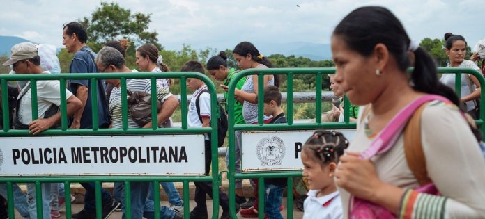 Migrants cross from Venezuela into Cucuta, Colombia.