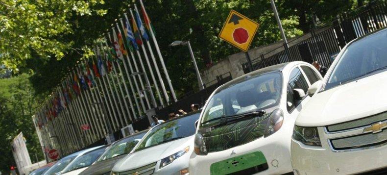 Los vehículos eléctricos son ecológicos y pueden ayudar a reducir las emisiones contaminantes. Foto de archivo: ONU/JC McIlwaine