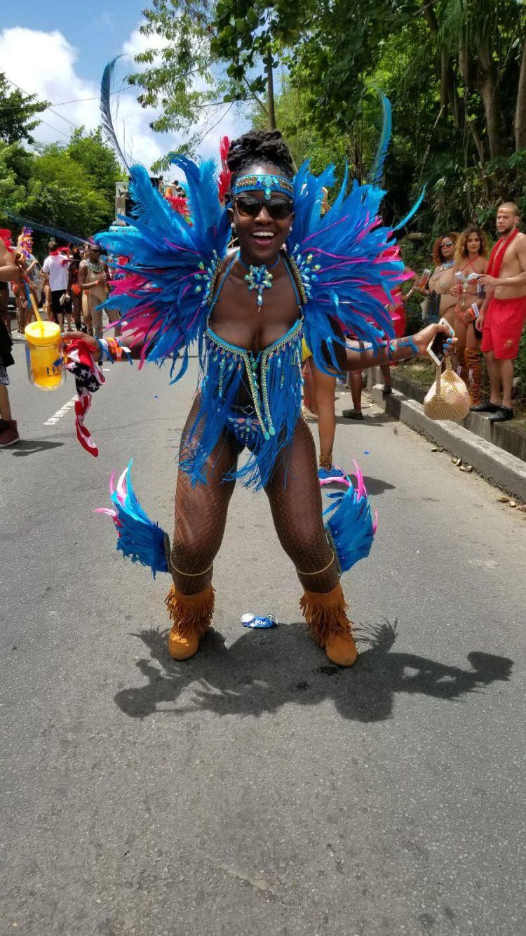 @CarnivalLolita