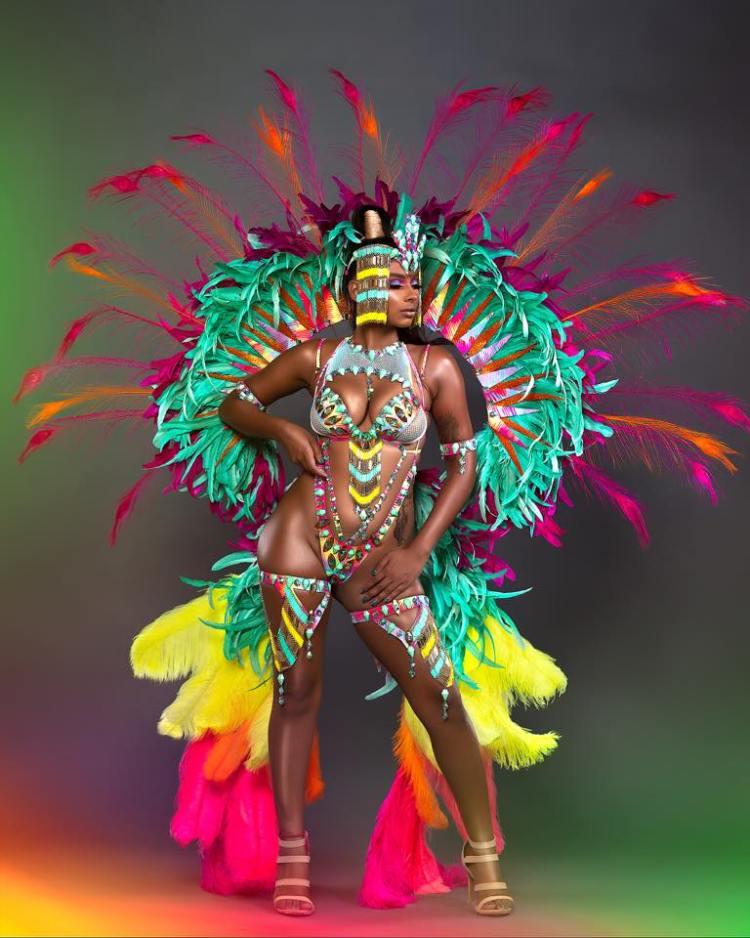 sugar mas 48 costumes