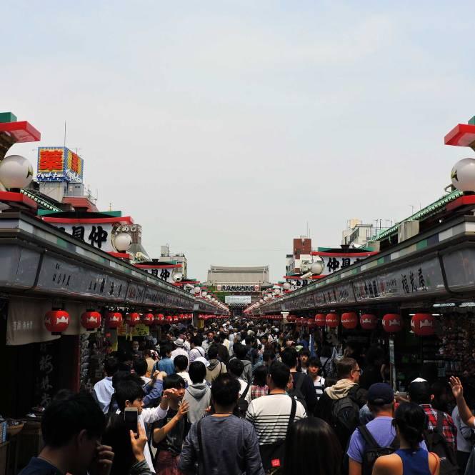 Senso-ji Temple walkway