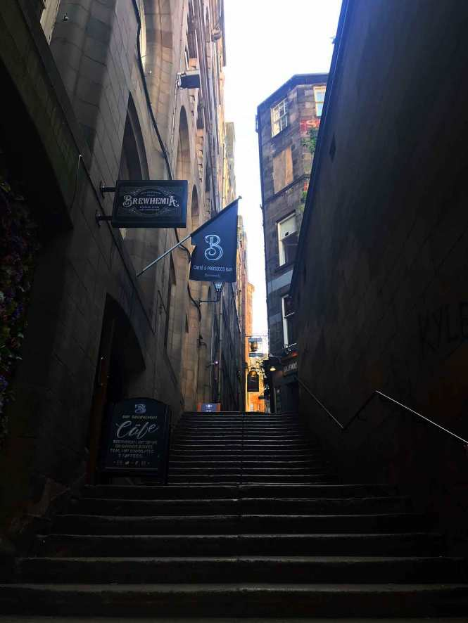 stairs up to the royal mile in edinburgh