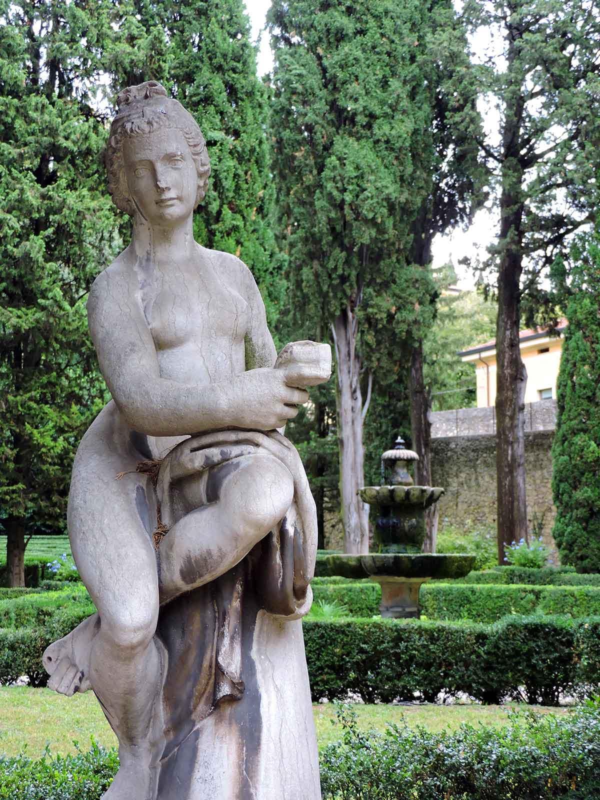 Statue in Giardino Giusti in Verona, Italy