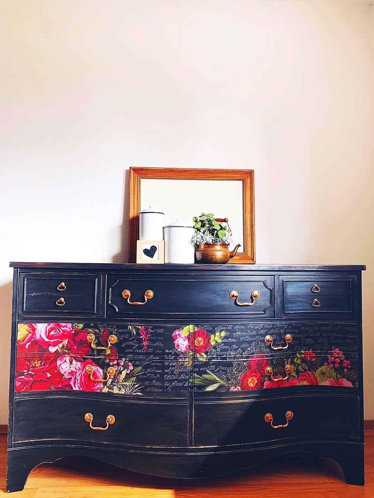 Tia Leah floral dresser