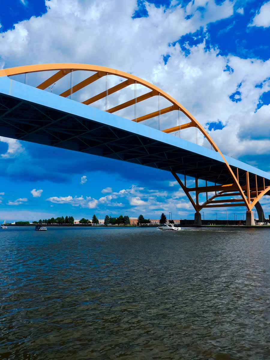 Hoan Memorial Bridge
