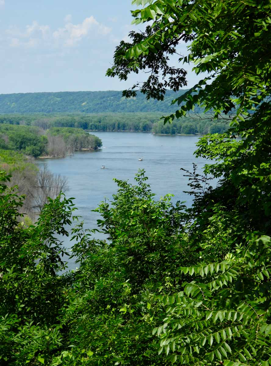 Mississippi River outlook in America's Heartland