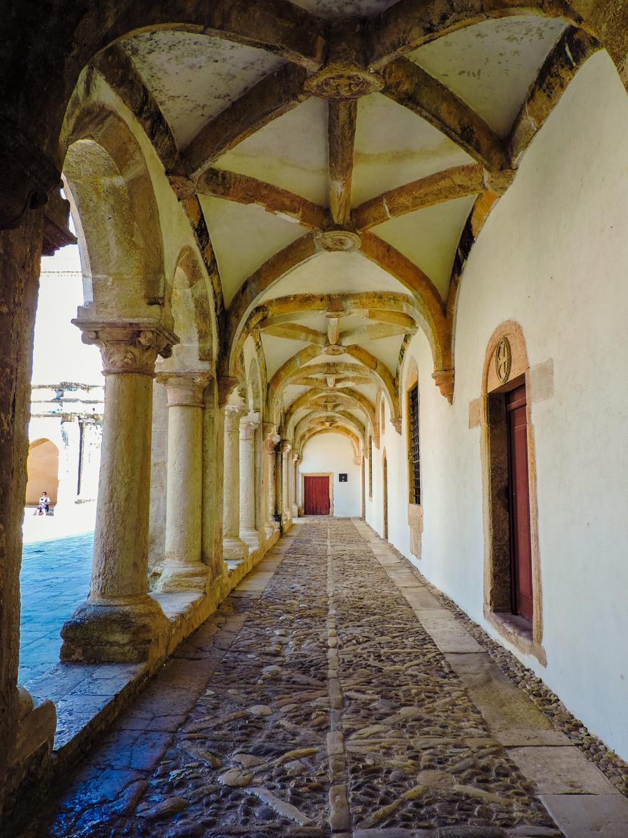 Vaulted outdoor hallway in Tomar's Convent of Christ
