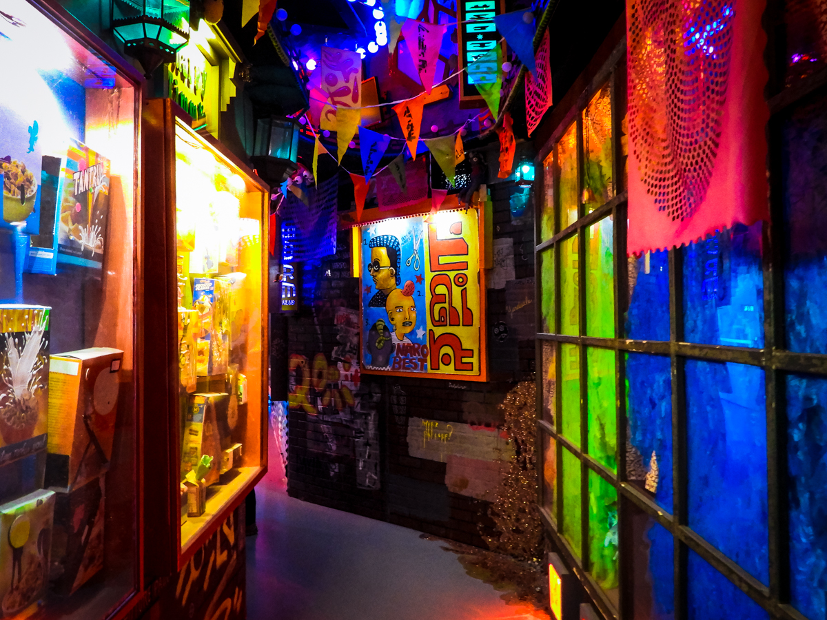 HOER Chinatown alleyway