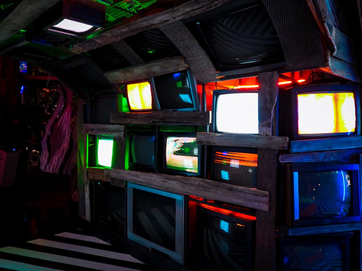 HOER endless TVs
