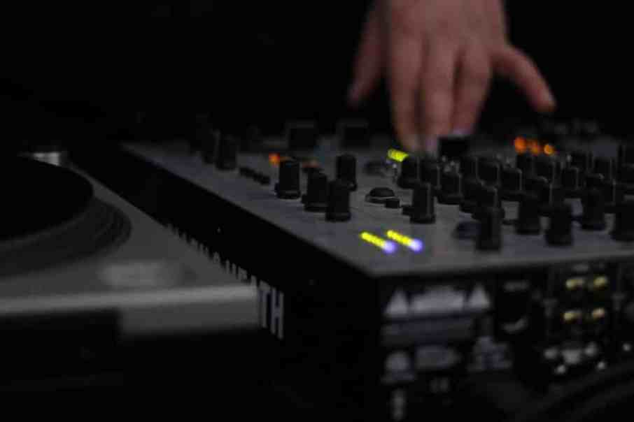 The Best DJ Mixers for Beginners in 2019 - Global Djs Guide