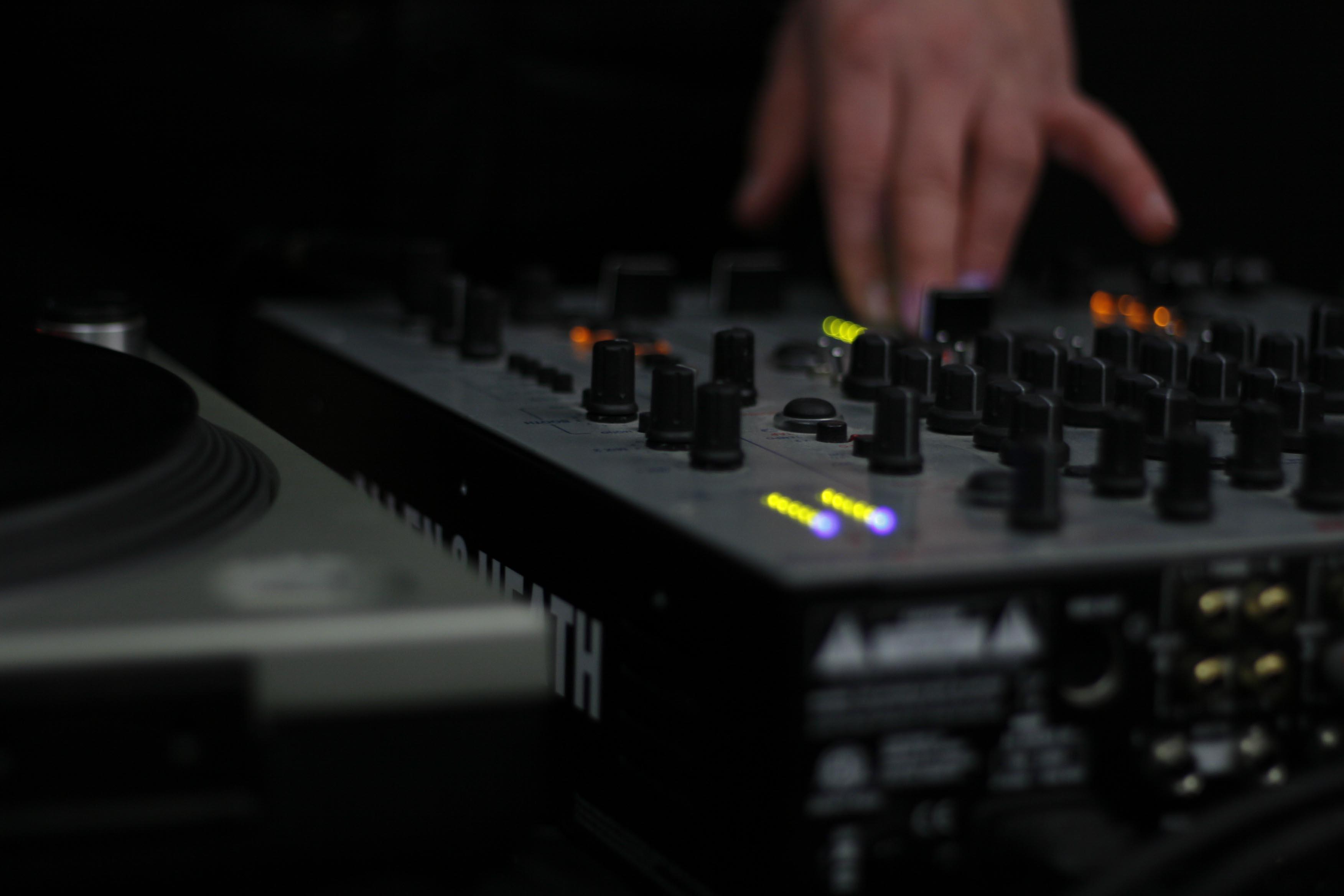 The Best DJ Mixers for Beginners in 2018