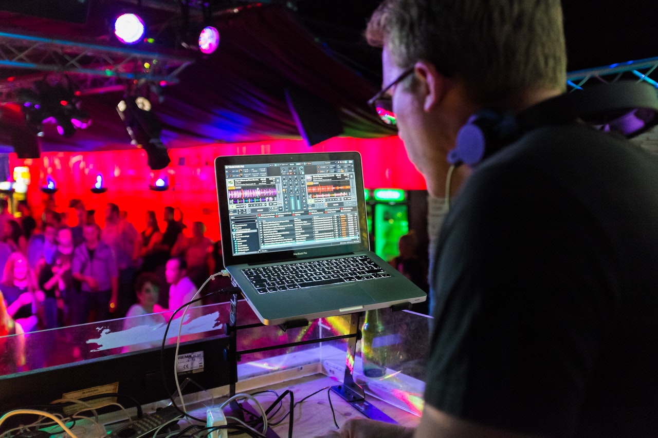 The Best Laptop for DJing 2018