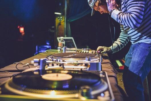 harmonic mixing DJ