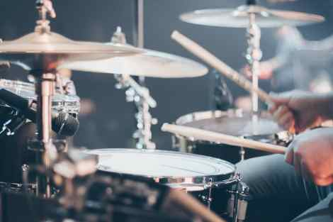 Best acoustic drum set for beginners under $400